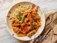 Рецепта Пържени пилешки гърди на жулиени с манго и меден сос със соев сос
